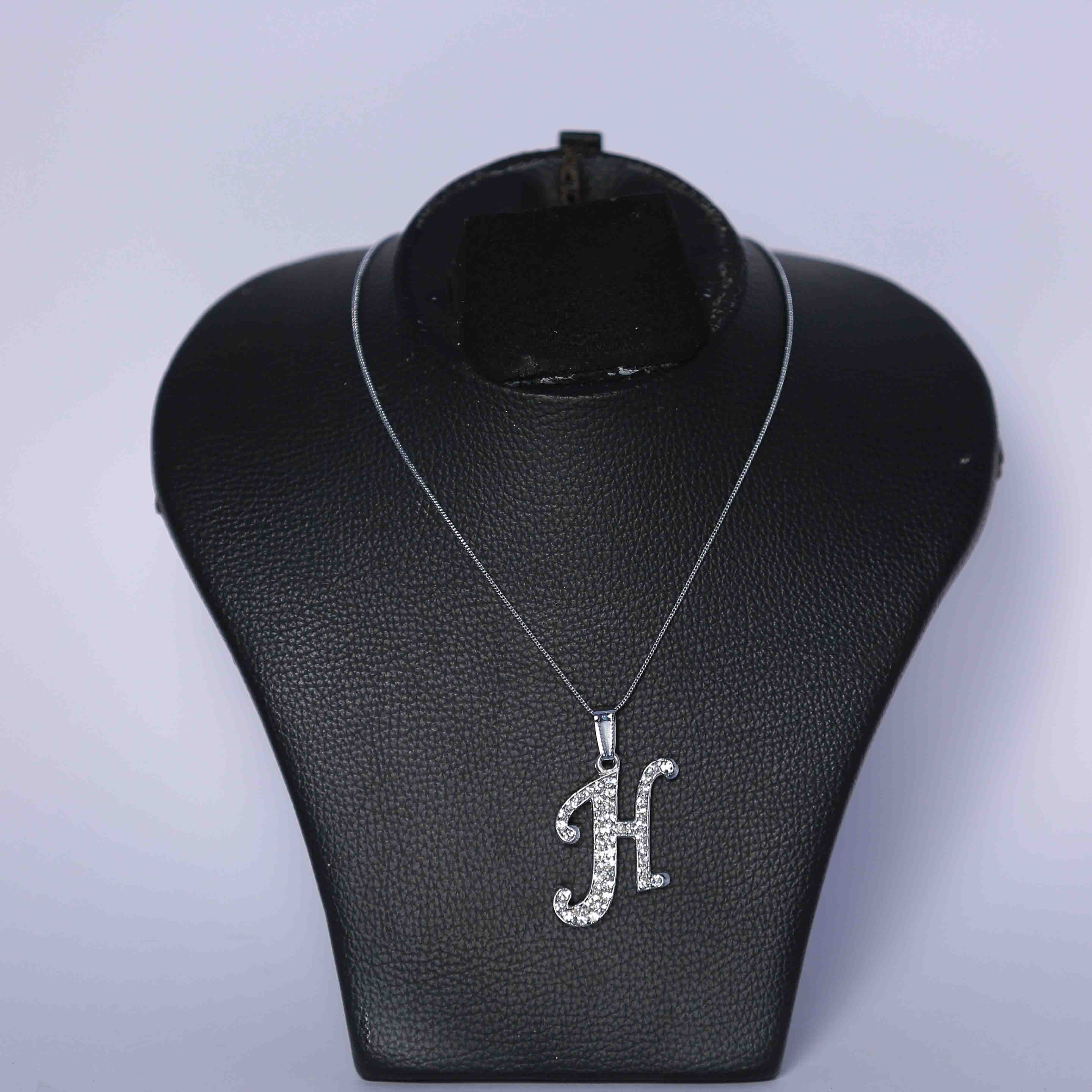 Initial letters pendant necklace with chain h necklace fgttttttttttt 3 fgttttttttttt q1 mozeypictures Image collections